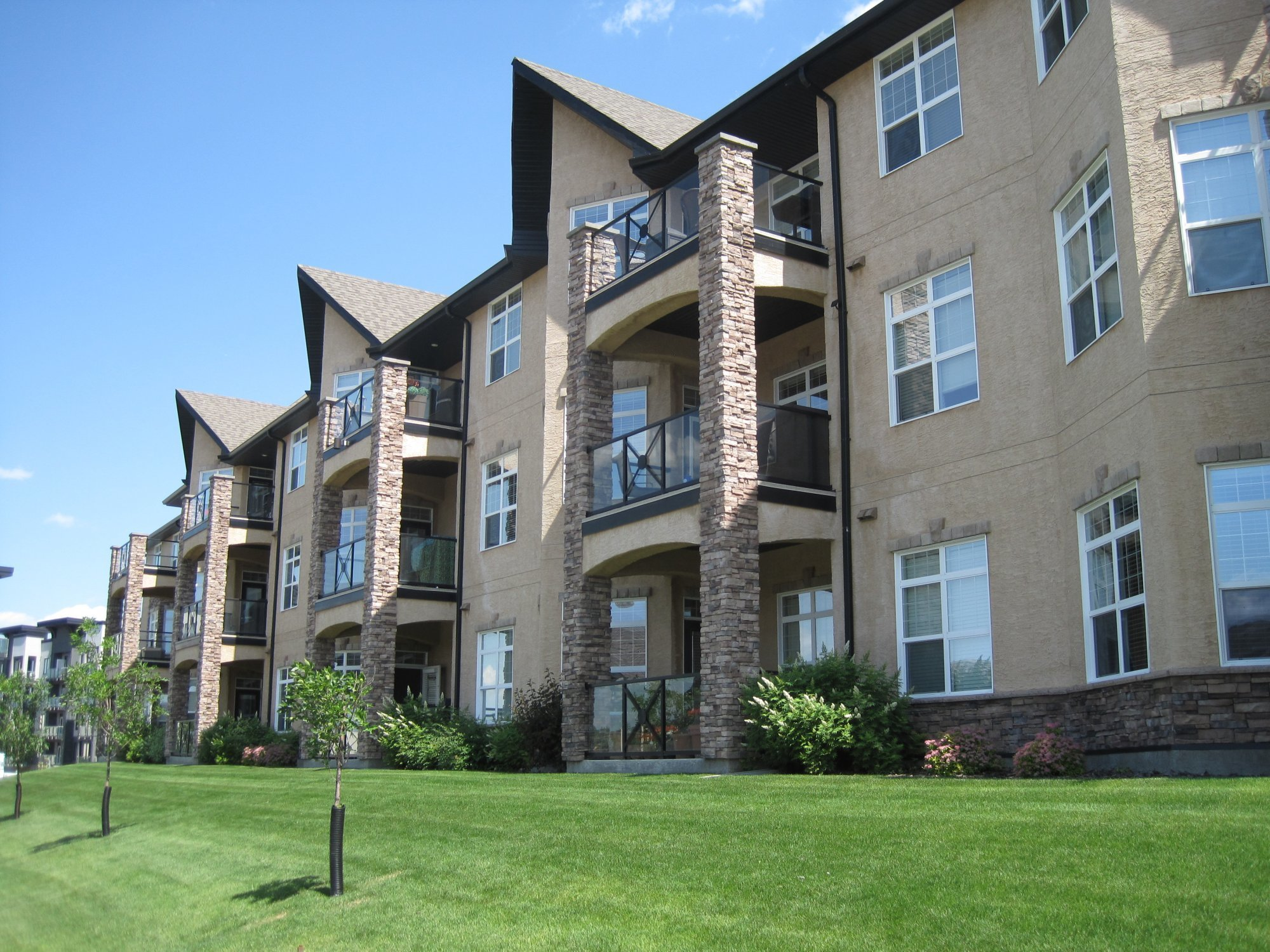 welcome to riverbend condos for sale